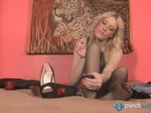 Foot fetish softcore scene with sexy blondie Christelle